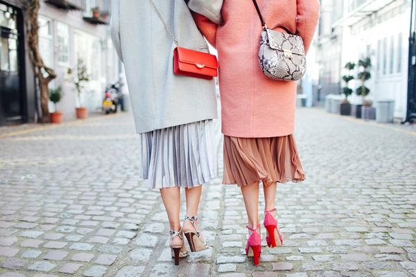 Pleated skirts and pantones14