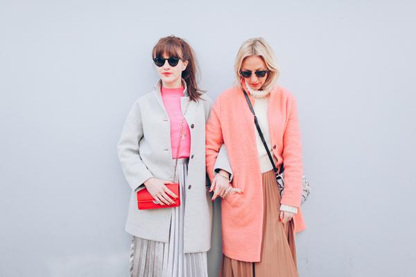 Pleated skirts and pantones18