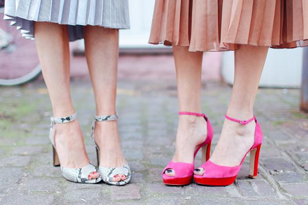 Pleated skirts and pantones4